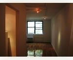 Renovated Studio in the Heart of Chelsea. Elevator building, Laundry.